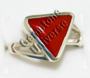 Exceptional!Beautiful Triangular Red Coral set in Ladies sterling Silver 925 Ring. Gemstoneuniverse.com