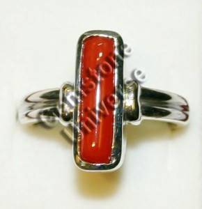 Cylindrical Italian Red Coral of 5.10 cts set Sterling Silver 925 Ring
