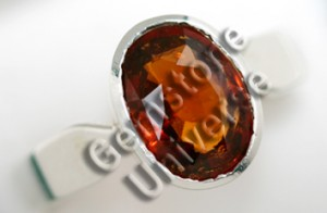 Natural Hessonite of 4.07 cts Gemstoneuniverse.com