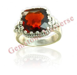 Natural Untreated Ceylon Hessonite of 7.22 ct Gemstoneuniverse.com