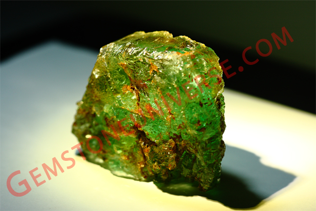Colombian Emerald rough.gemstoneuniverse.com