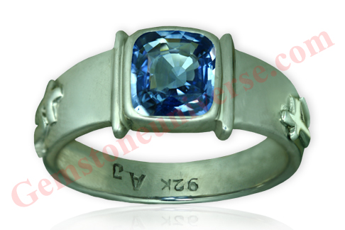 Natural Unheated Blue Sapphire of 2.67 Carats Gemstoneuniverse.com