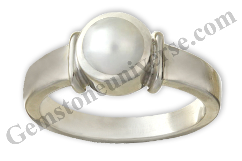 Natural Pearl of 2.61 carats Gemstoneuniverse.com