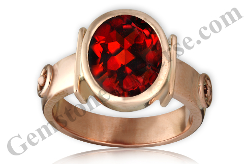 Natural Mozambique Red Garnet of 5.25 carats Gemstoneuniverse.com