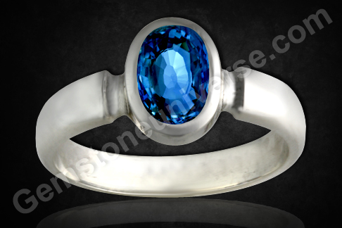 Blue-Sapphire-of-2.33-Carats-Natural-and-Unheated-Gemstoneuniverse.com_