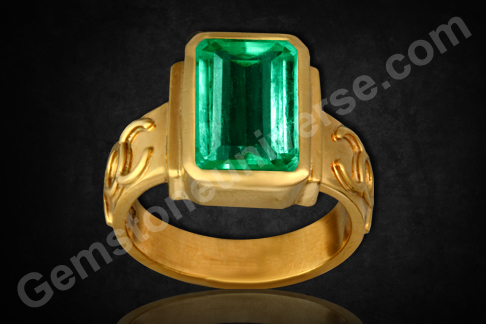 Colombian Emerald of 3.16 carats set in Talismanic ring for Mercury Powers.