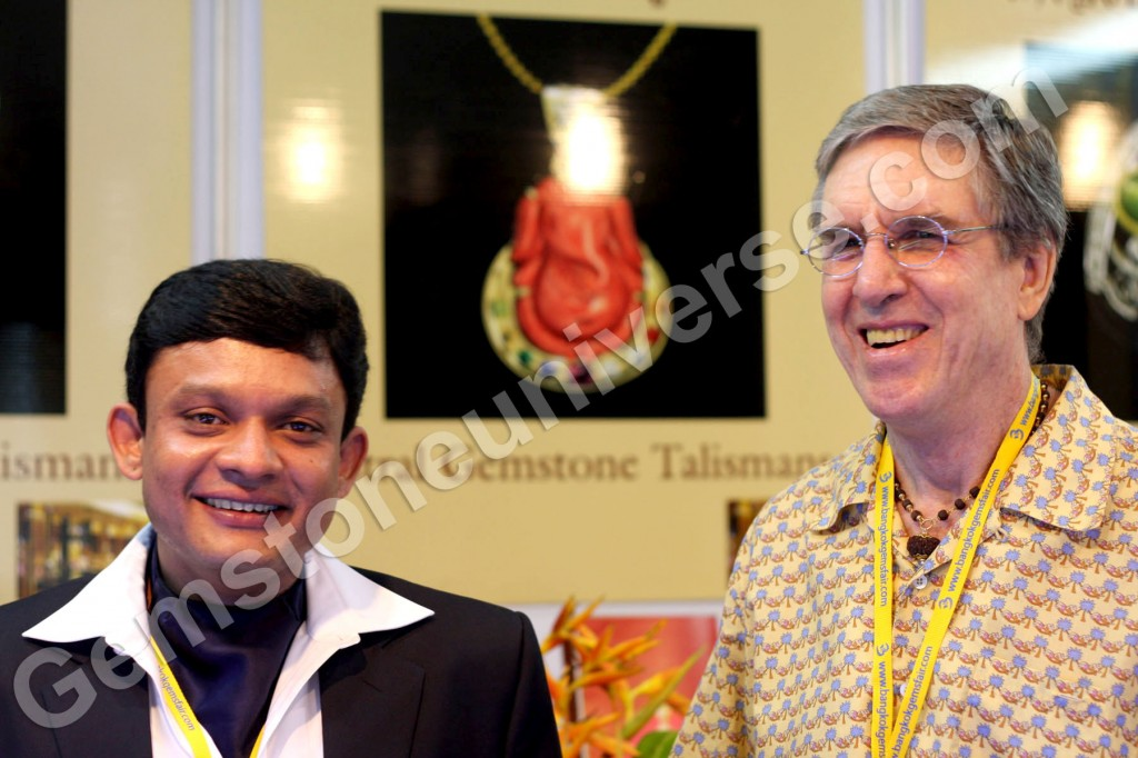 Guruji Shrii Arnav and Sriman Richard Shaw Brown – stalwarts in planetary gemology at the AGT exhibit, 48th BGJF, Thailand