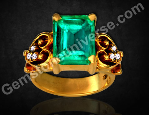 Colombian Emerald of 2.20 carats set in 22KDM Gold Ring