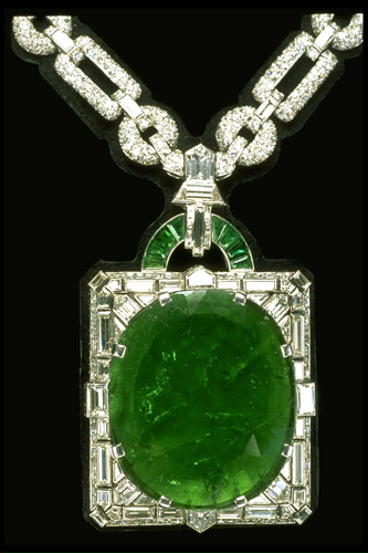 Mackay emerald necklace Image courtesy- Smithsonian Institution