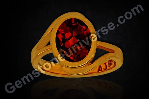 Natural Mozambique Red Garnet of 4.93 carats Gemstoneuniverse.com