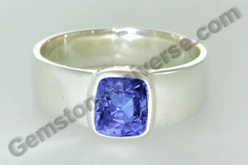 Natural Blue Sapphire of 4.03 carats Gemstoneuniverse