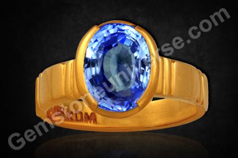 Natural Blue Sapphire of 5.70 carats Gemstoneuniverse
