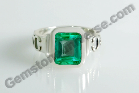 Natural Colombian Emerald of 2.73 carats Gemstoneuniverse.com