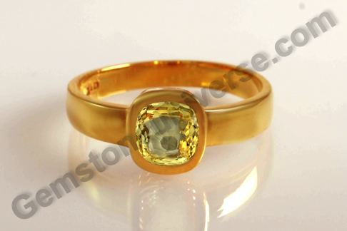 Natural Yellow Sapphire of 2.07 carats Gemstoneuniverse.com
