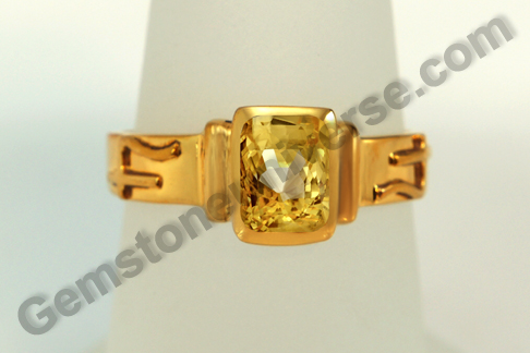 Natural Yellow Sapphire of 2.56 carats Gemstoneuniverse.com