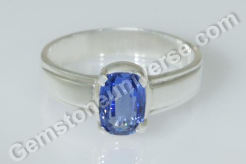 Natural Blue Sapphire of 3.02 carats Gemstoneuniverse