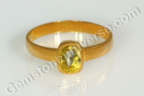 Natural Yellow Sapphire of 2.02 carats Gemstoneuniverse.com