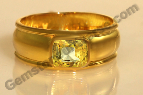 Natural Yellow Sapphire of 2.44 carats Gemstoneuniverse.com