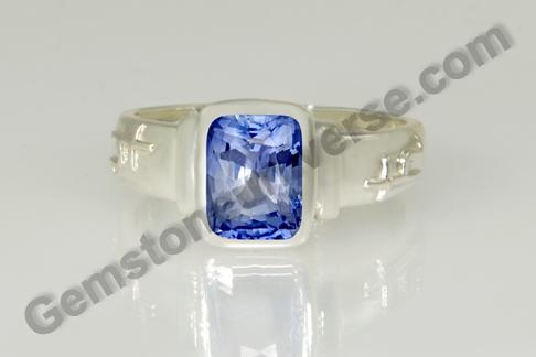 Natural Blue Sapphire of 2.43 carats Gemstoneuniverse