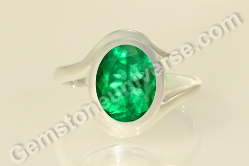 Natural Colombian Emerald of 2.57 carats Gemstoneuniverse.com