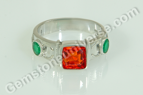 Natural Hessonite of 4.82 Carats & Natural Emerald Of 0.87 Carats Gemstoneuniverse.com