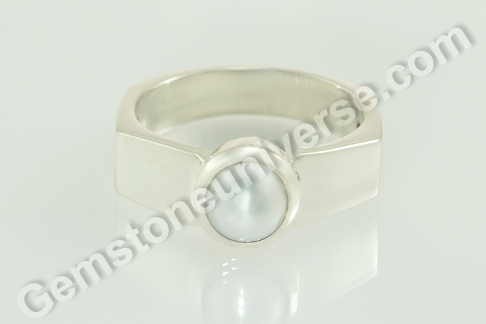 Natural Pearl of 2.87 Carats Gemstoneuniverse.com
