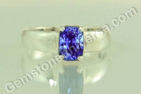 Natural Blue Sapphire of 3.37 carats Gemstoneuniverse