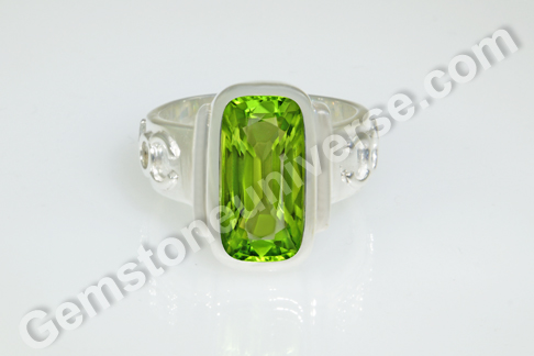 Natural Burma Peridot of 3.66 carats Gemstoneuniverse.com