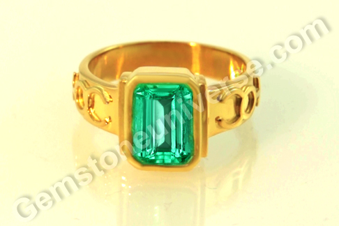 Natural Colombian Emerald of 2.43 carats Gemstoneuniverse.com