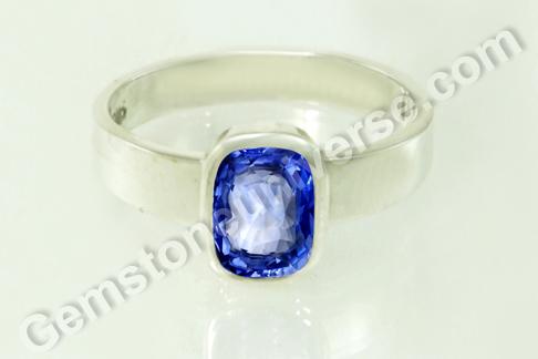 Natural Blue Sapphire of 3.10 carats Gemstoneuniverse