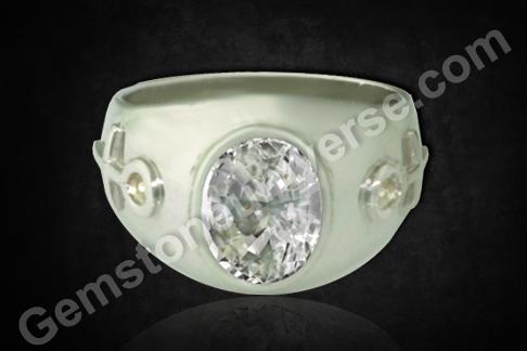 Natural White Sapphire of 3.64 carats Gemstoneuniverse.com