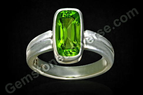 Natural Burma Peridot of 4.28 carats Gemstoneuniverse
