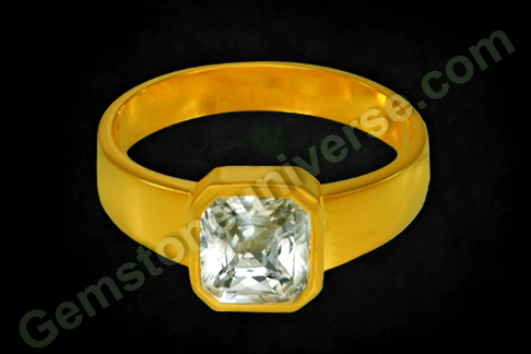 Natural White Sapphire of 2.31 carats set in Gold ring