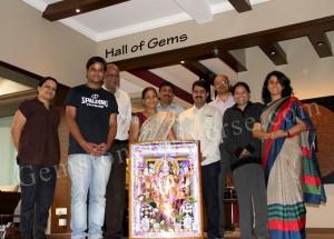 Shri Rajkumar Tulshyan and his family with Gemstoneuniverse Team