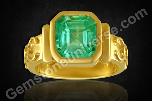 Natural Colombian Emerald gold ring