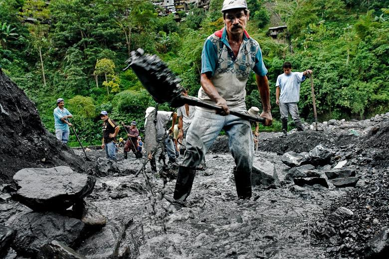 Emerald Miners In Muzo Colombia Pic Courtesy No Se Mancha