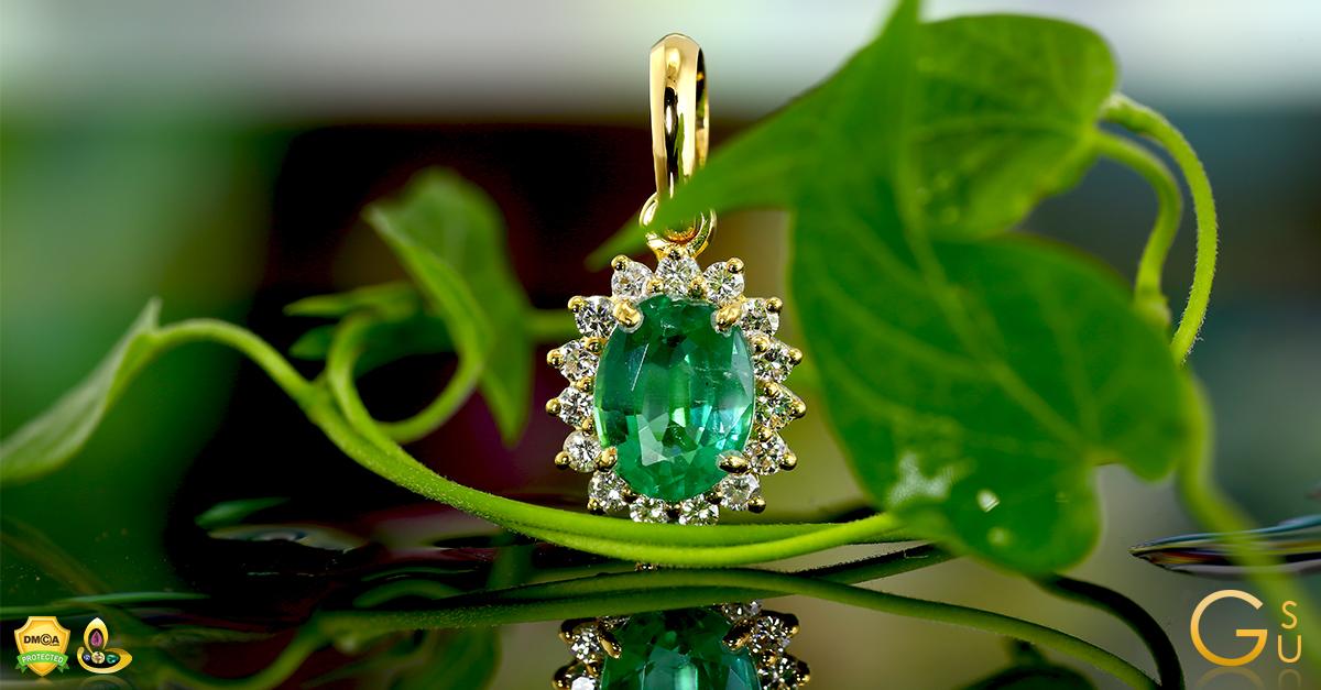 Stunning Emerald Diamond Pendant from the Gemstoneuniverse Collection