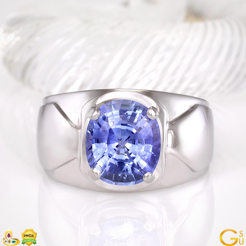 Sensational Blue Sapphire of 5 plus carats