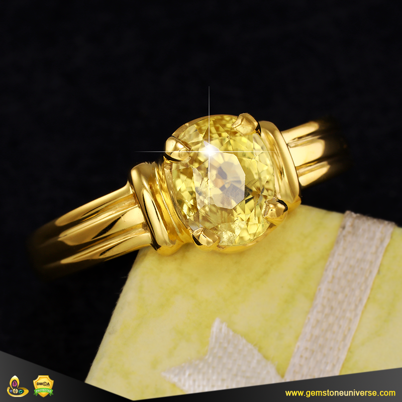 Fine Natural Unheated Yellow Sapphire ring from Ceylon