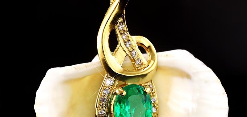 Colombian Emerald & Diamond Jyotish Gemstone Pendant for Mercury & Venus Powers