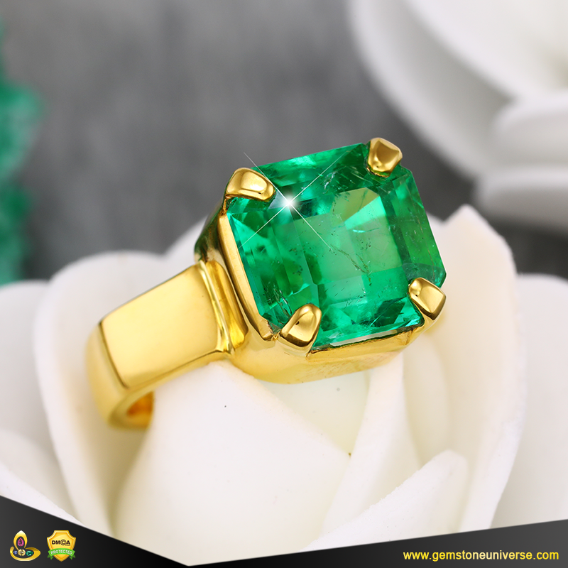 Fine Colombian Emerald Jyotish Gemstone ring