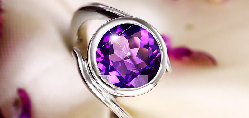 Which is the best alternative gemstone for Blue Sapphire-Iolite or Amethyst?
