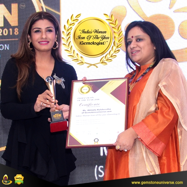Abhijita Kulshrestha Wins the India's Woman Icon of the Year Award 2018