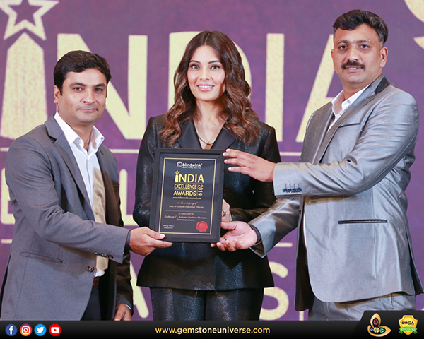 Gemstoneuniverse wins Best in Jyotish Gemstones Therapy award at the IEA 2019