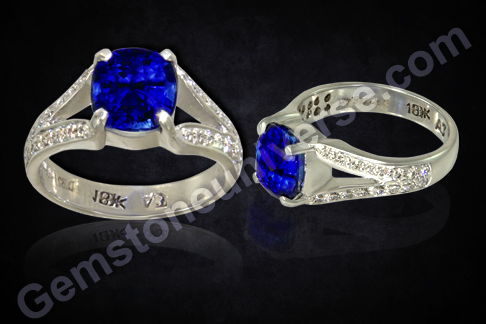 Blue Sapphire Diamond Ring from the Gemstoneuniverse signature collection