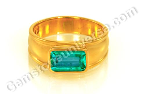 Natural Zambian Emerald of 2.07 carats Gemstoneuniverse