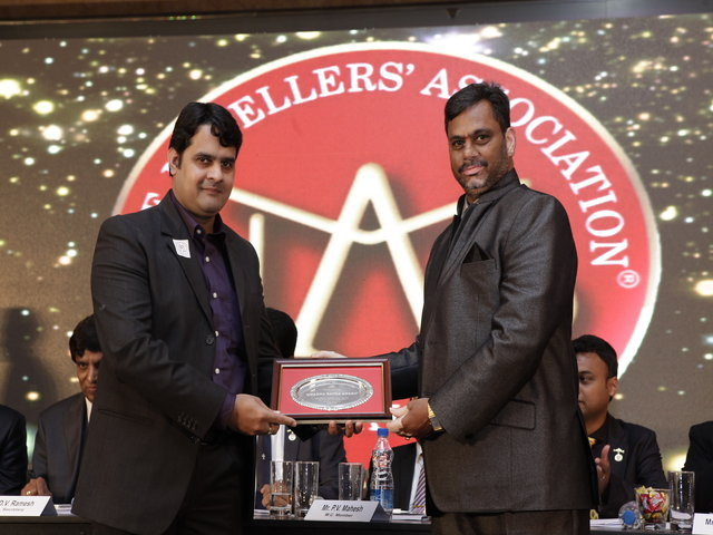 Raghav Hawa Manager Operations receiving the award from Mr. Vidya Sagar-Member JAB.jpg